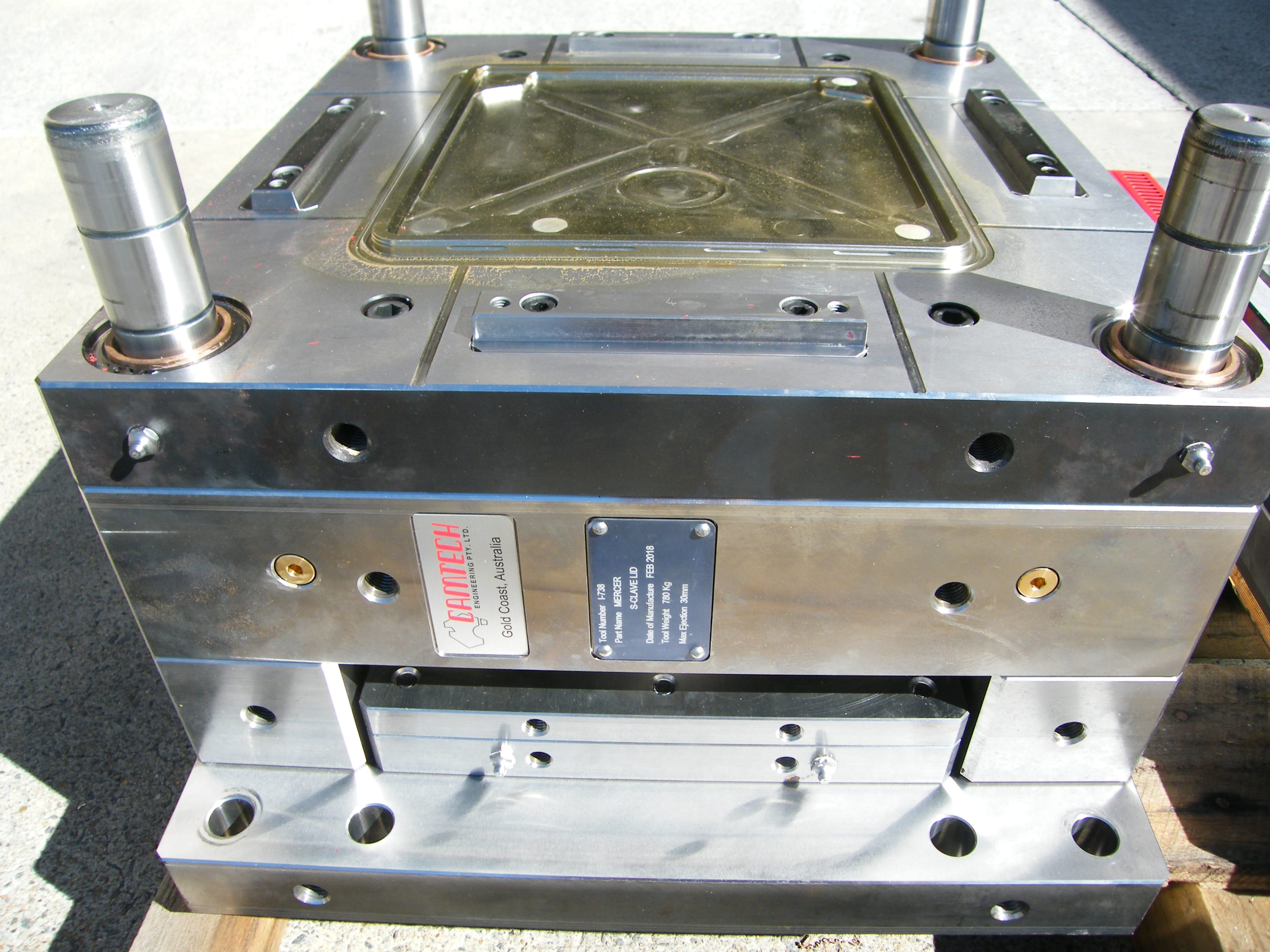 Precision Engineering | Toolmaker | Gold Coast | Camtech Engineering Pty Ltd | Sample Injection Mould 2 Min
