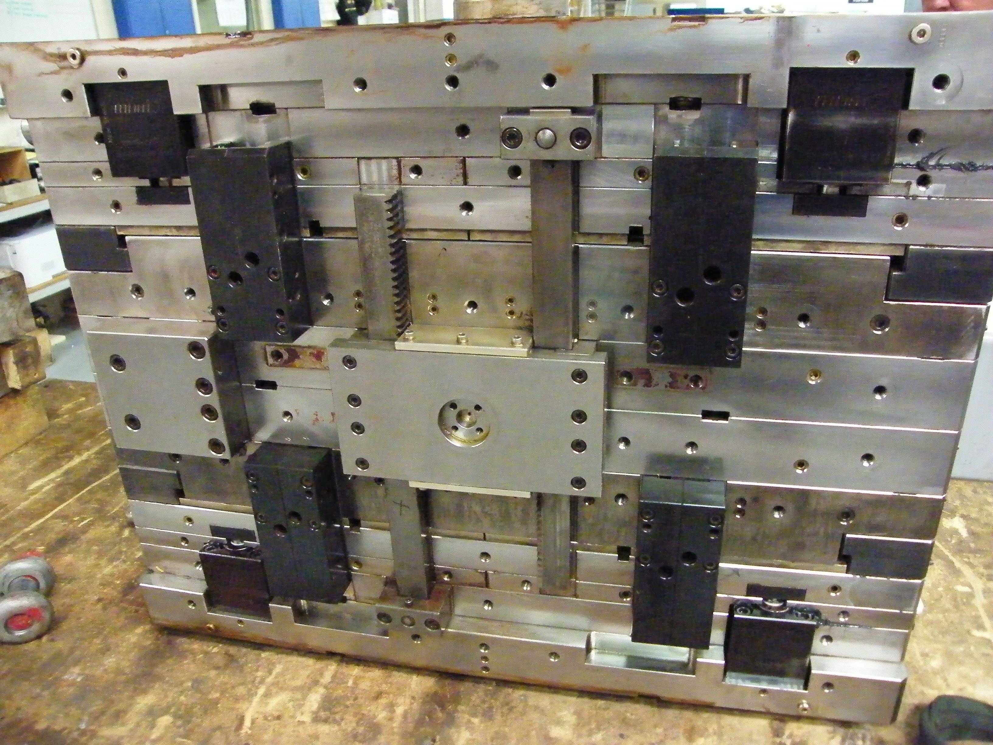 Precision Engineering | Toolmaker | Gold Coast | Camtech Engineering Pty Ltd | Sample Stackmould Min